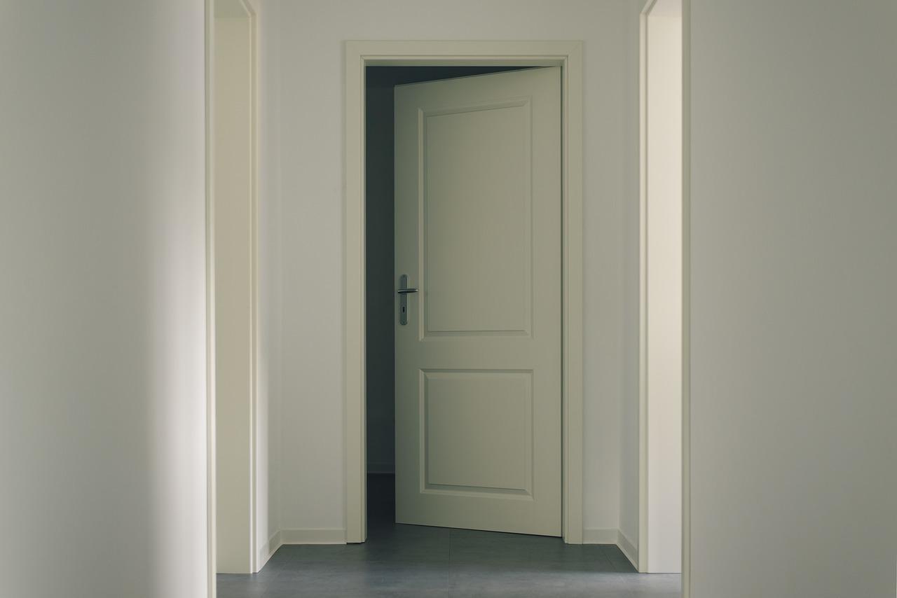 Combien prévoir en moyenne pour une porte d'intérieur ?